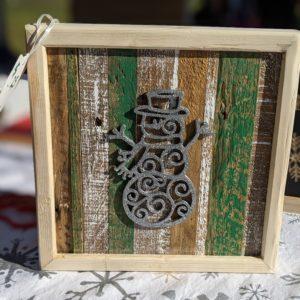 christmas-decor-pallet-snowman-silver-sparkle-pine-wall-art-green-white-small