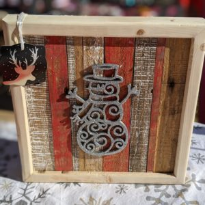 christmas-decor-pallet-snowman-silver-sparkle-pine-wall-art-red-white-small