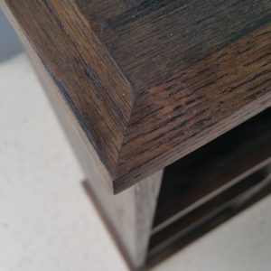 custom-wall-unit-red-oak-stained-close-up